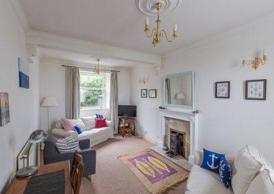 no70portellen-living-room